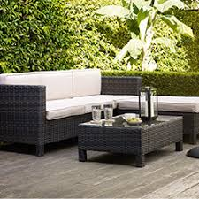 Garden Patio Table Make Your Outdoor Look Great Using Outdoor Garden Furniture