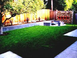 Landscaping Ideas For Backyard With Dogs by Lawn Landscape Ideas Small Landscaped Gardens Backyard Double