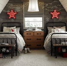 Red And Grey Bedroom by 27 Cozy Red And Grey Christmas Décor Ideas Digsdigs
