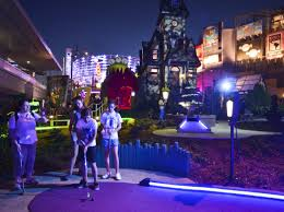 aaa discount tickets halloween horror nights hollywood drive in golf at universal citywalk orlando u2013 reviews