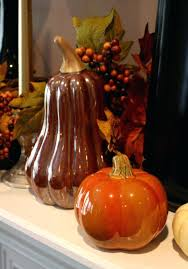decorate thanksgiving dinner table decor in autumn colors