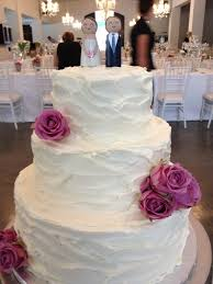 wedding cake frosting 95 best wedding cakes images on bird cages the
