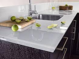 plan de travail cuisine en verre plan travail verre revêtement mural façade en verre verre