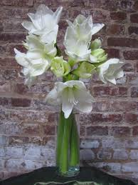 Creative Vase Ideas 5 Vases Every Diy Floral Designer Must Have First Come Flowers