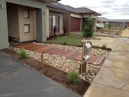 Small Front Garden Ideas Pictures Delightful Beautiful Contemporary Front Yards Melton Merbau