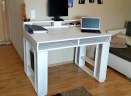 Diy Wood Computer Desk by Diy Custom Pallet Table Ideas