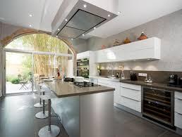hotte cuisine plafond design hotte ilot plafond cuisine design et décoration photos