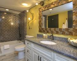 Bathroom Design Ideas Pictures by Best 20 Tropical Bathroom Mirrors Ideas On Pinterest Tropical