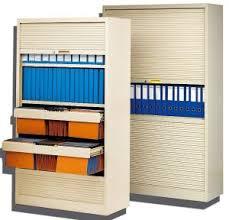 armoire monobloc de bureau avec rideaux horizontaux