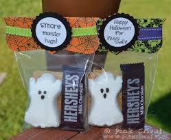 halloween party goody bags be different act normal five spooky s u0027mores halloween s u0027mores