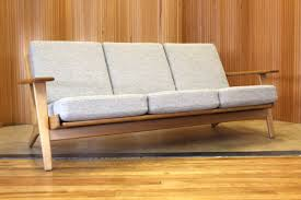 hans wegner plank sofa hans wegner oak plank sofa model ge 290 3 manufactured by