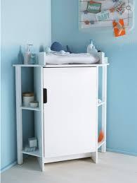 meuble d angle pour chambre décoration et aménagement d une chambre de bébé la table à langer