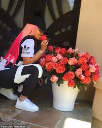 How Much Is A Dozen Roses Blac Chyna Gets Two Dozen Red Roses From Fiancé Rob Kardashian