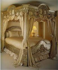 fabulous gold colored victorian style canopy bed with gold