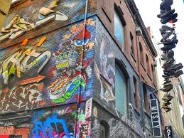 the best street art in melbourne 11 laneways in the cbd you don t melbourne cbd best street art hosier shoes
