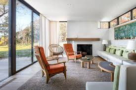 Studio House by Hamptons Shore House Combines The Intimacy Of The Woods With The