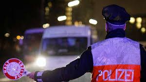Zulassung Bad Aibling Auf Der A8 Bei Bad Aibling Verhaftet Mann Fragt Ob Er Fernseher