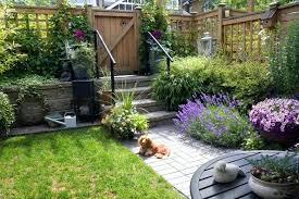 Patio Ideas For Small Gardens Uk Small Garden Fencing Ideas Small Garden Patio With A Latticed
