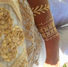 20 beautiful gold tattoos not only for fashionistas