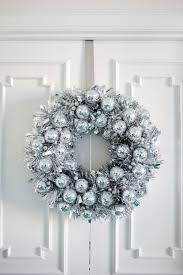 Home Decor Trends Winter 2016 Christmas Door Decorations Start The Winter Celebrations Early