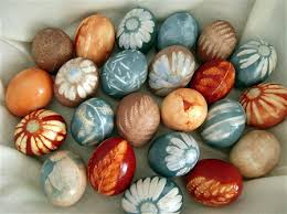 how to color easter eggs gorgeous eggs colored with natural dye using leaves and flowers