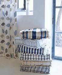 White Home Decor Accessories Room Decor With Stylish Stripes Illusion