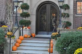 halloween outdoor decorations ghosts halloween ideas halloween