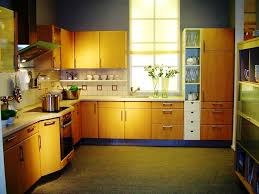 how to manage small kitchen designs
