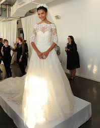 wedding dress collection see marchesa s glam wedding dresses for 2016 marchesa