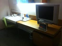 petit plat en chambre petit bureau et écran plat pour la chambre picture of radisson
