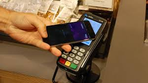 apple pay in the uk how to use apple pay with iphone and apple