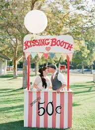 photo booth ideas 21 booth ideas for your wedding weddingomania