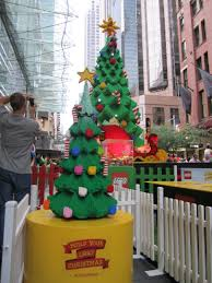 massive lego christmas tree at westfield sydney