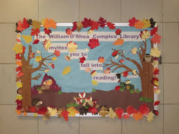 fall into reading for my autumnal bulletin board i found the