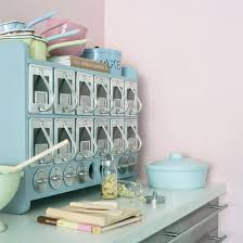 Vintage Looking Kitchen Cabinets Retro 50s Kitchen Cabinets Keys To A Classy Not Kitschy