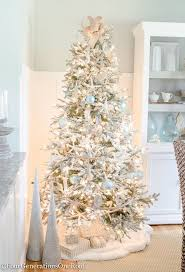 White Christmas Tree With Red And Gold Decorations Top 25 Best Christmas Tree Garland Ideas On Pinterest Discount