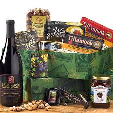country wine gift baskets 55 best gift baskets images on gifts gift basket