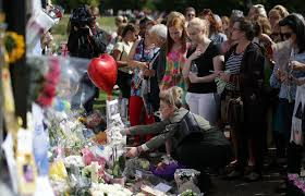 floral tributes laid at london palace for 20th anniversary of