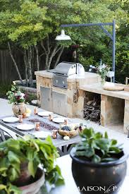 outdoor thanksgiving table and how to decorate for thanksgiving