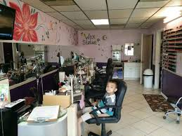 nail salon sale 4 table two spa pedicure chairs 15 000 uss for