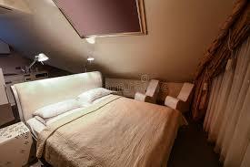 chambre d hotel avec cuisine intérieur de chambre d hôtel moderne de luxe avec la cuisine photo