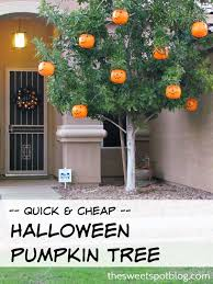 Halloween Decorations For Outside Trees by Best 25 Halloween Tree Decorations Ideas On Pinterest Halloween