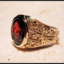 signet wedding ring garnet ring signet crest maple leaf 14k gold hungarian coat of