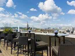 Wohnzimmer Lounge Bar Coburg Die Atmosphere Rooftop Bar Des The Ritz Carlton Vienna Im 8 Stock