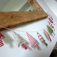 Decoration Material For Christmas Tree by Best 25 Christmas Bunting Ideas On Pinterest Bunting Ideas