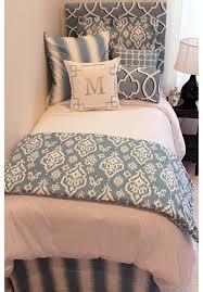 Dorm Bedding For Girls by 25 Best Dorms Ideas On Pinterest Dorm Rooms