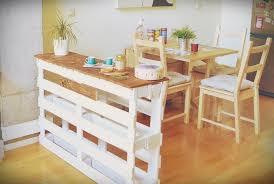 faire un bar de cuisine faire un bar en palette pour créer un espace de vie plus convivial