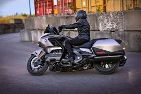 2018 honda gold wing a new standard for motorcycle travel