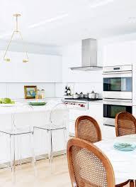 sleek modern kitchen a sleek and elegant kitchen that blends both modern and classic