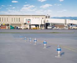 solar powered runway lights solar power the next safe solution for runway lighting airport